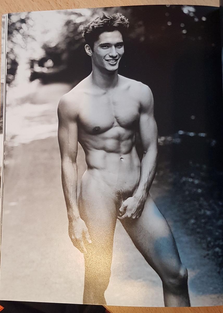 Muskulöse männer nackte Gay Muskulöse